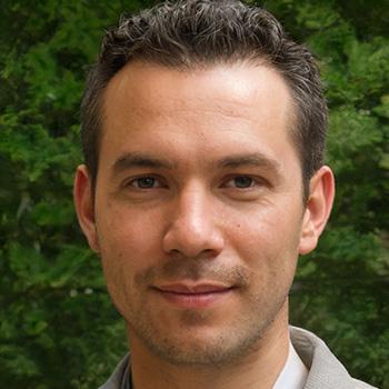 Larry Matthews - Co-Founder & Chief Editor