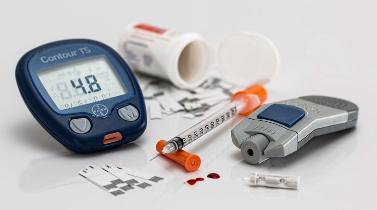 Items used to check blood sugar level